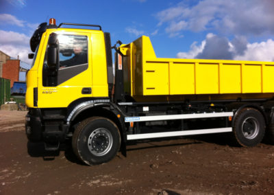 Camion benne Iveco 2