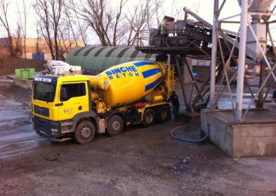 Camion mixer sous centrale